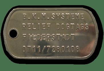Edelstahl Dog Tag Relief Schild mit geprägter Schrift